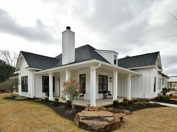 3 bed 3 bath Single Family at 905 Hawthorn Ln Fredericksburg, TX, 78624 is for sale at 625k - 1 of 32
