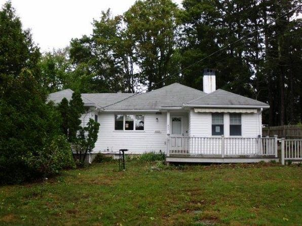 3 bed 2 bath Single Family at 622 Main St Osterville, MA, 02655 is for sale at 449k - 1 of 13