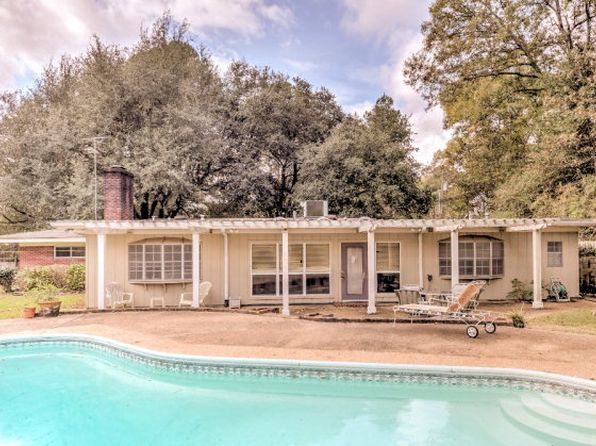 5 bed 3 bath Single Family at 249 Sky Vale Dr Vicksburg, MS, 39183 is for sale at 154k - 1 of 31
