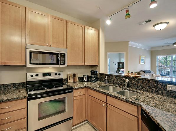 2 bed 2 bath Townhouse at 1910 BASILDON RD MOUNT PLEASANT, SC, 29466 is for sale at 212k - 1 of 31