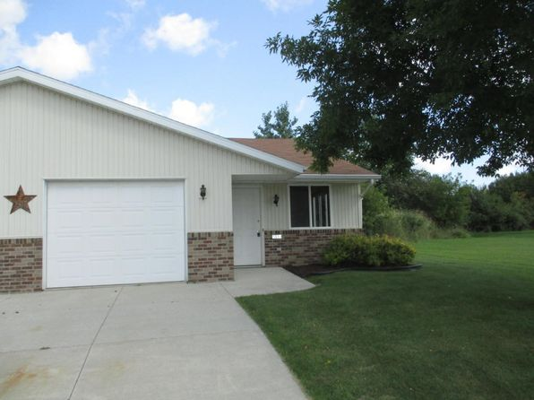 2 bed 1 bath Condo at 1310 E Ivy Ln Manitowoc, WI, 54220 is for sale at 60k - 1 of 12