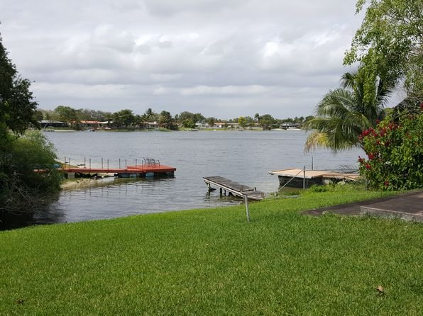 3 bed 2 bath Single Family at 5200 SW 92nd Ave Miami, FL, 33165 is for sale at 385k - 1 of 7