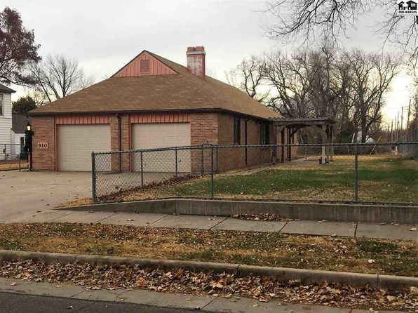3 bed 2 bath Single Family at 910 N WALNUT ST HUTCHINSON, KS, 67501 is for sale at 75k - google static map
