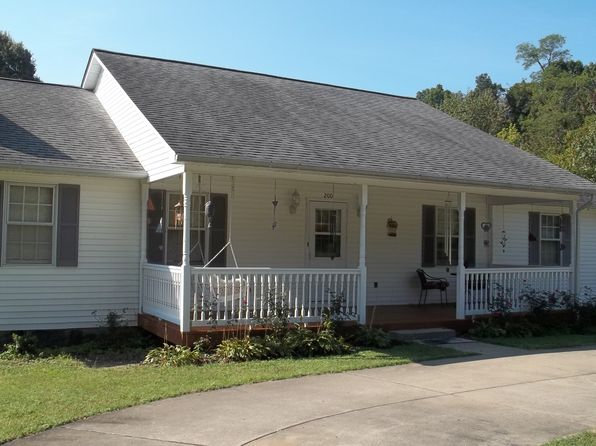 3 bed 3 bath Single Family at 200 Walnut Dr Paducah, KY, 42003 is for sale at 195k - 1 of 24