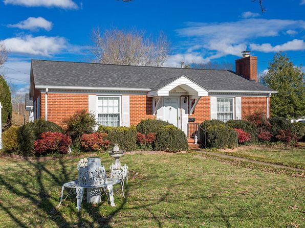 2 bed 1 bath Single Family at 306 Broad St Sweetwater, TN, 37874 is for sale at 150k - 1 of 16