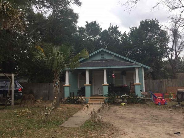2 bed 1 bath Single Family at 1104 N Kirk St Pensacola, FL, 32505 is for sale at 150k - google static map