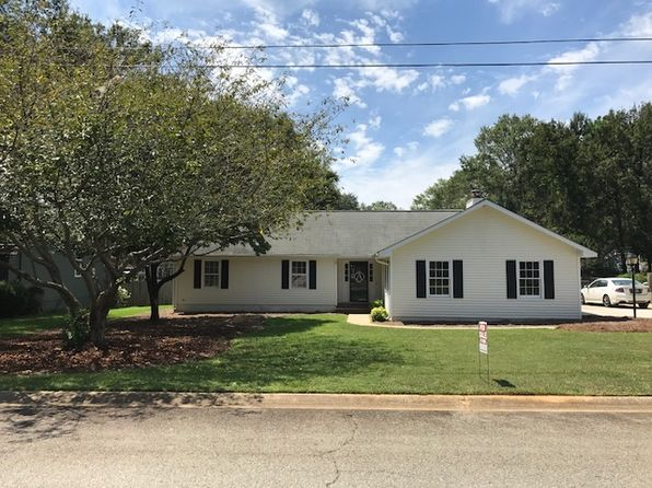 3 bed 2 bath Single Family at 106 Pinewood Ct Perry, GA, 31069 is for sale at 135k - 1 of 14