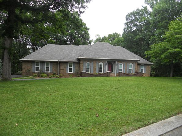 5 bed 3 bath Single Family at 15 Grayswood Hill Rd Signal Mountain, TN, 37377 is for sale at 389k - 1 of 24