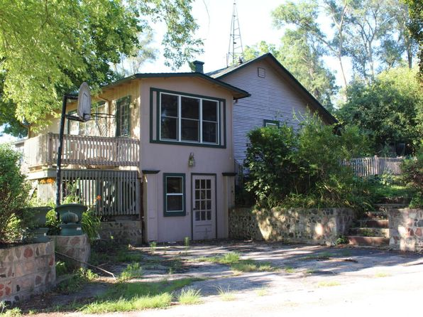 2 bed 1 bath Single Family at 30040 Moccasin Dr Burlington, WI, 53105 is for sale at 85k - 1 of 8
