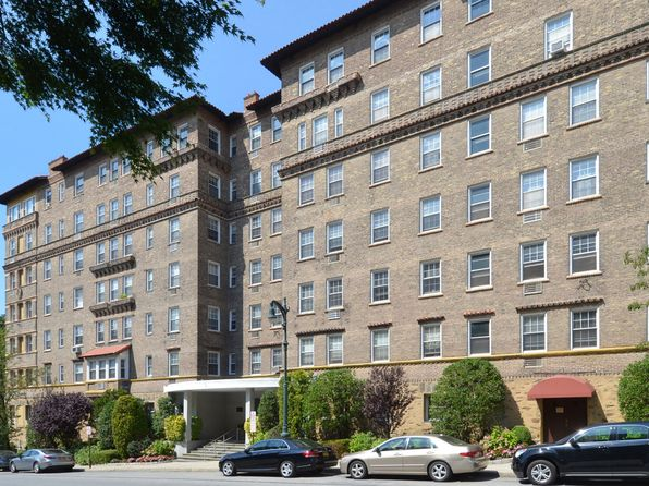 3 bed 3 bath Condo at 16 N Chatsworth Ave Larchmont, NY, 10538 is for sale at 925k - 1 of 27