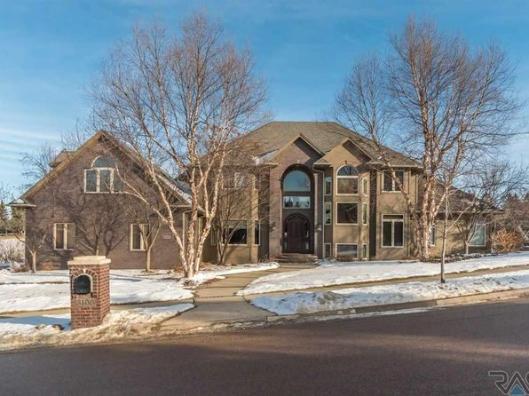 6 bed 7 bath Single Family at 3100 S Saint Francis Ln Sioux Falls, SD, 57103 is for sale at 750k - 1 of 36