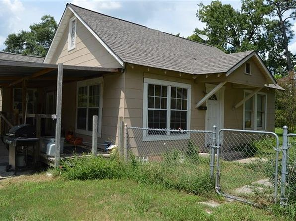 4 bed 2 bath Single Family at 1012 Clear Lake Rd Highlands, TX, 77562 is for sale at 116k - 1 of 21