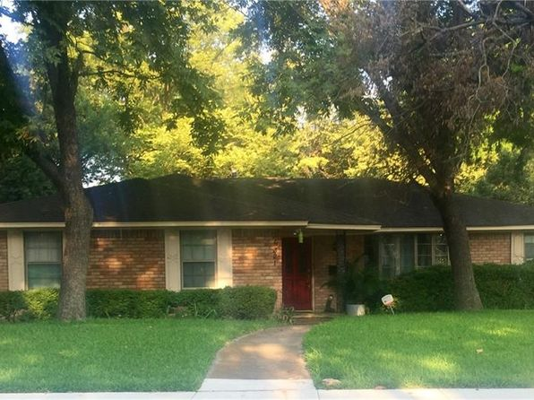 3 bed 2 bath Single Family at 6321 Autumn Woods Trl Dallas, TX, 75232 is for sale at 140k - google static map