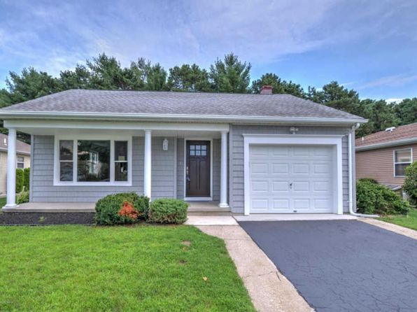 2 bed 2 bath Single Family at 10 Noranda St Toms River, NJ, 08757 is for sale at 275k - 1 of 17