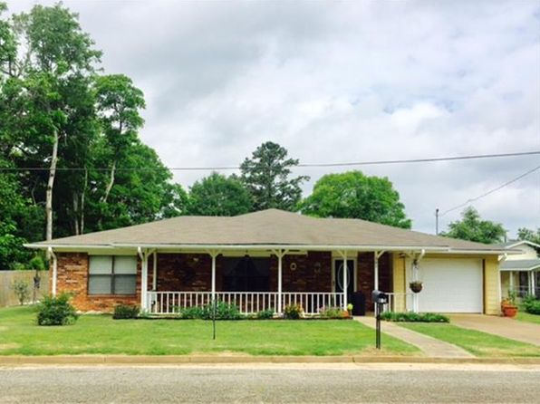 2 bed 2 bath Single Family at 504 W Maple St Grapeland, TX, 75844 is for sale at 88k - 1 of 20