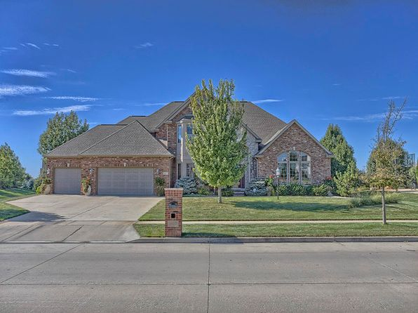 6 bed 6 bath Single Family at 1617 Mullikin Dr Champaign, IL, 61822 is for sale at 690k - 1 of 25