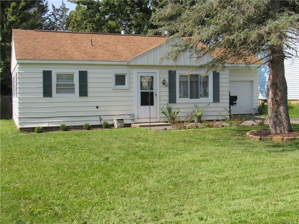 3 bed 1 bath Single Family at 10 Brooks Pl Baldwinsville, NY, 13027 is for sale at 89k - 1 of 18