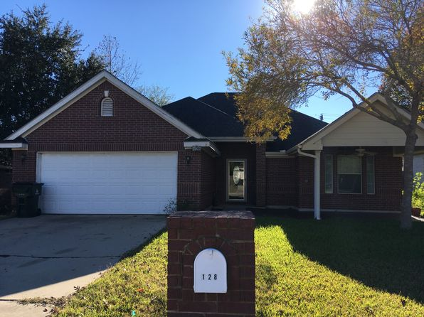 3 bed 2 bath Single Family at 128 River Park Dr Luling, TX, 78648 is for sale at 180k - 1 of 17