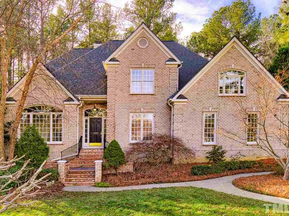 4 bed 4 bath Single Family at 200 BEESTON CT CARY, NC, 27519 is for sale at 695k - 1 of 25