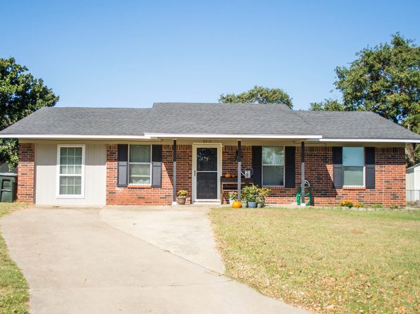 3 bed 1 bath Single Family at 2215 Hillcrest Ct Durant, OK, 74701 is for sale at 98k - 1 of 16