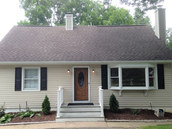 4 bed 3 bath Single Family at 533 Ramapo Valley Rd Oakland, NJ, 07436 is for sale at 410k - 1 of 18