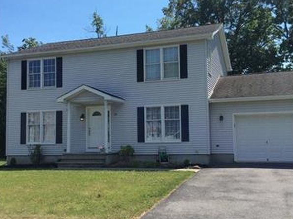 4 bed 3 bath Single Family at 19 Livingston St Middletown, NY, 10940 is for sale at 235k - google static map
