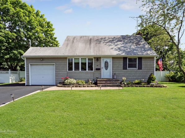 4 bed 2 bath Single Family at 60 Wantagh Ave East Islip, NY, 11730 is for sale at 365k - 1 of 21