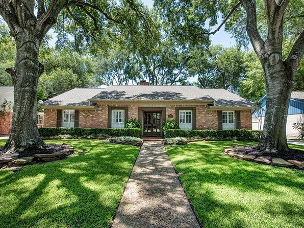 3 bed 2 bath Single Family at 7627 Windswept Ln Houston, TX, 77063 is for sale at 488k - 1 of 13