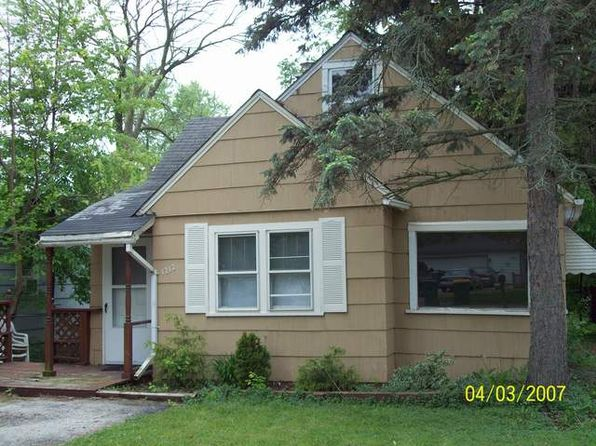 2 bed 1 bath Single Family at 1212 Sunnyside Ct Round Lake Beach, IL, 60073 is for sale at 40k - 1 of 6