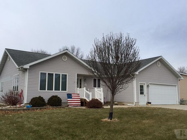 3 bed 3 bath Single Family at 788 2ND AVE SW BRITT, IA, 50423 is for sale at 165k - 1 of 22