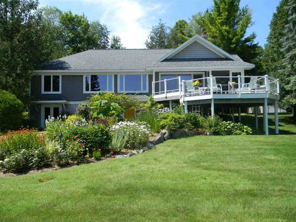3 bed 3 bath Single Family at 05580 Lakeshore Rd Boyne City, MI, 49712 is for sale at 732k - 1 of 25