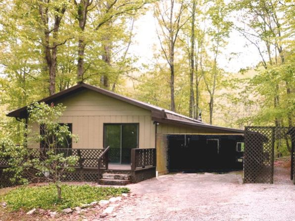 2 bed 2 bath Single Family at 124 Laurel Dr Whittier, NC, 28789 is for sale at 120k - 1 of 25