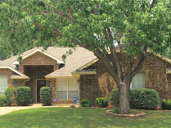 3 bed 2 bath Single Family at 2710 Whitby Ln Grapevine, TX, 76051 is for sale at 295k - 1 of 29