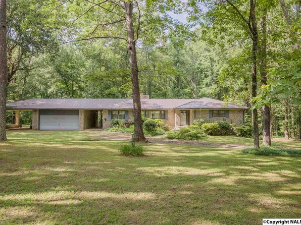 3 bed 3 bath Single Family at 50 Hilldale Rd Fayetteville, TN, 37334 is for sale at 265k - 1 of 36