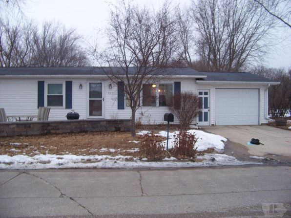 3 bed 1 bath Single Family at 704 12th Ave N Clear Lake, IA, 50428 is for sale at 119k - 1 of 16