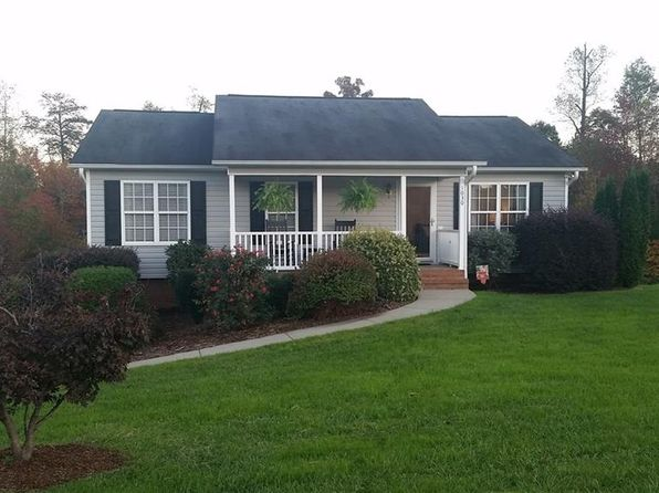 3 bed 2 bath Single Family at 1030 Laurel Bluff Dr King, NC, 27021 is for sale at 147k - 1 of 19