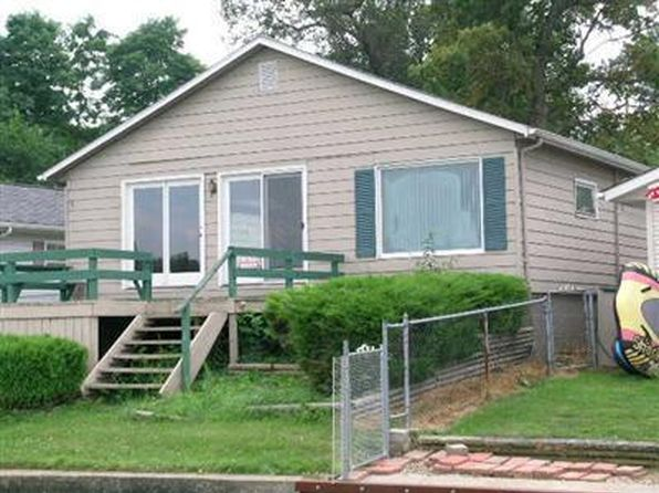 2 bed 2 bath Single Family at 27296 Oak Dr Sturgis, MI, 49091 is for sale at 145k - 1 of 8