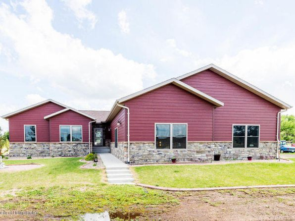 6 bed 3 bath Single Family at 10322 Highway 10 E Dickinson, ND, 58601 is for sale at 565k - 1 of 19