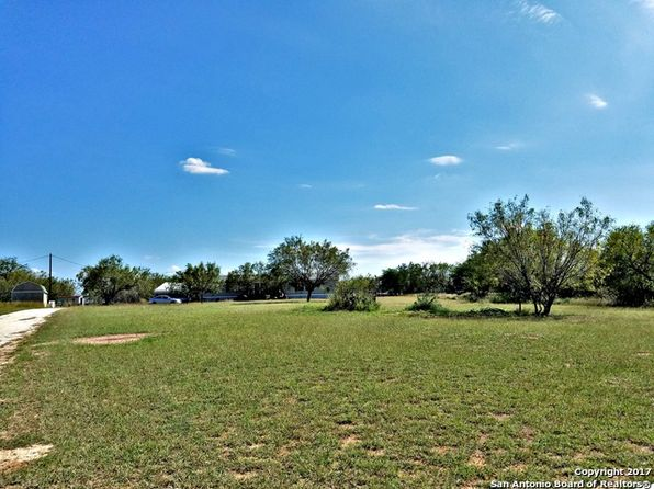 5 bed 5 bath Mobile / Manufactured at 5317 Fm 536 Floresville, TX, 78114 is for sale at 182k - 1 of 9