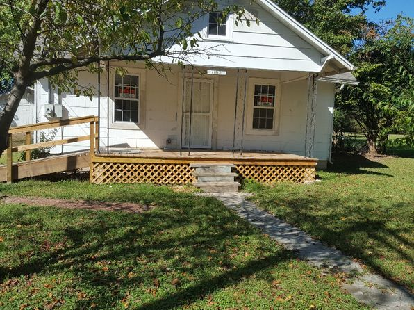 2 bed 1 bath Single Family at 1165 S Barnes Ave Springfield, MO, 65804 is for sale at 69k - 1 of 12