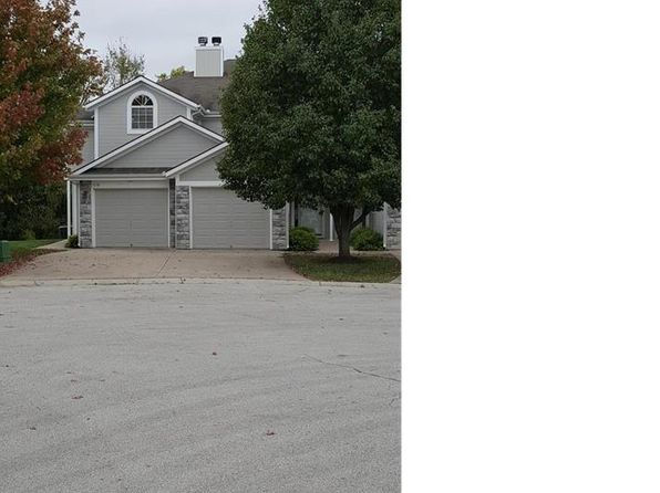 2 bed 3 bath Townhouse at 1218 NW Hidden Ridge Cir Blue Springs, MO, 64015 is for sale at 114k - 1 of 20