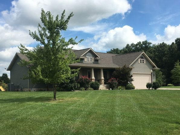3 bed 3 bath Single Family at 1605 Foxfire Rd Herrin, IL, 62948 is for sale at 280k - 1 of 10