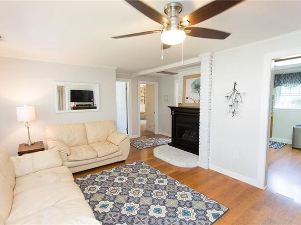 3 bed 1 bath Single Family at 702 Summers Pl Portsmouth, VA, 23702 is for sale at 150k - 1 of 17