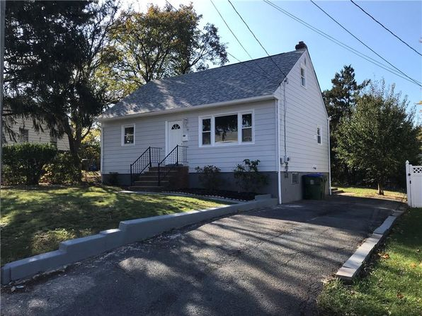 4 bed 2 bath Single Family at 10 Peterson Ave Edison, NJ, 08817 is for sale at 300k - 1 of 25