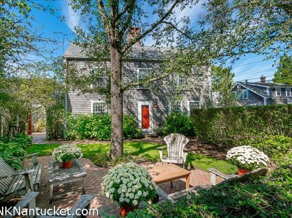 4 bed 2 bath Single Family at 25 PLEASANT ST NANTUCKET, MA, 02554 is for sale at 1.82m - 1 of 18