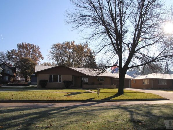 3 bed 2 bath Single Family at 613 S Washington St Remsen, IA, 51050 is for sale at 250k - 1 of 35