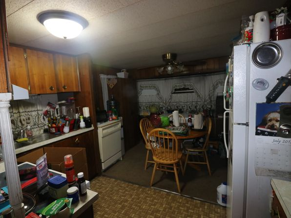 2 bed 1 bath Mobile / Manufactured at 1581 Pekin Dr SE East Canton, OH, 44730 is for sale at 6k - 1 of 9