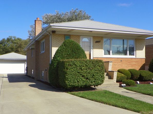 3 bed 2 bath Single Family at 2960 W 102nd Pl Evergreen Park, IL, 60805 is for sale at 150k - 1 of 17