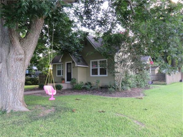 2 bed 1 bath Single Family at 821 Koehl St Wharton, TX, 77488 is for sale at 125k - 1 of 25