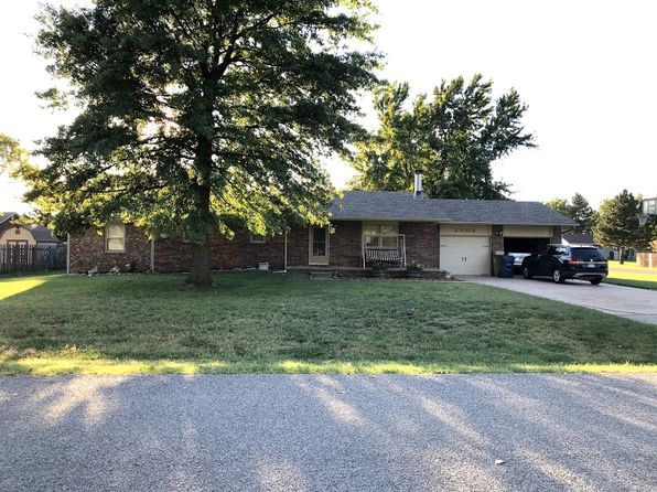 4 bed 2 bath Single Family at 2303 Howell Dr Hutchinson, KS, 67502 is for sale at 180k - 1 of 31